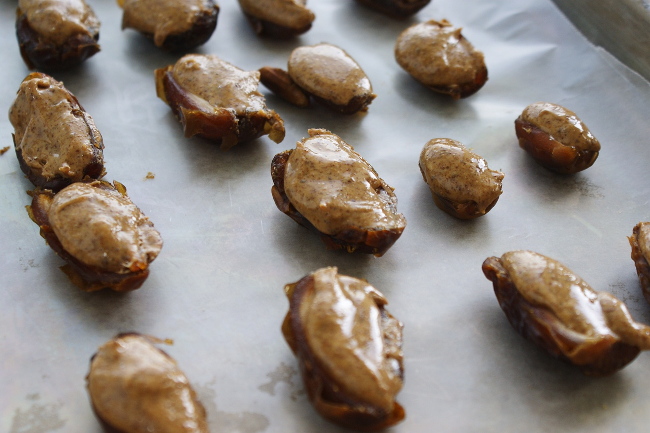 Almond Butter Oozy dates